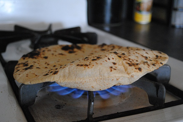 chappati beautiful over flame 600