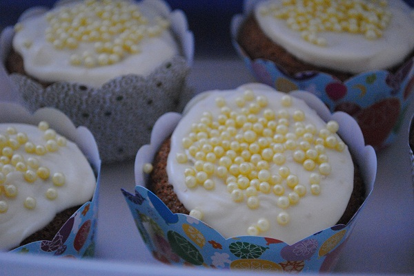 'Eid Cupcakes with Vanilla Orange Mascarpone Frosting