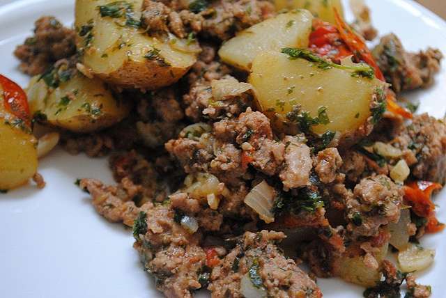 Ground Turkey with Potatoes, Tomatoes, Mint & Parsley
