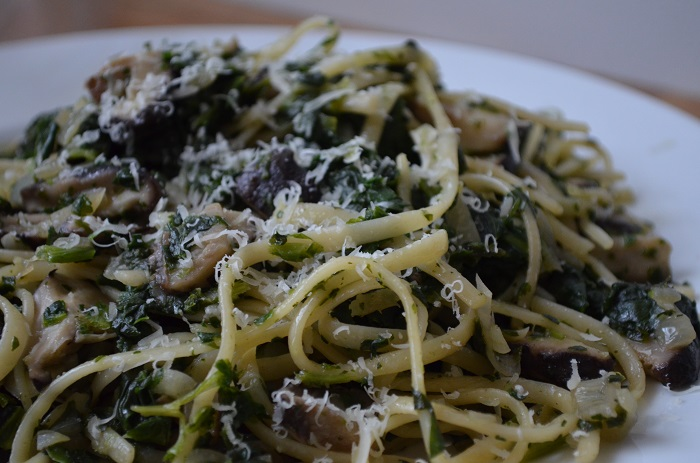 Linguine with Spinach, Mushrooms & Garlic