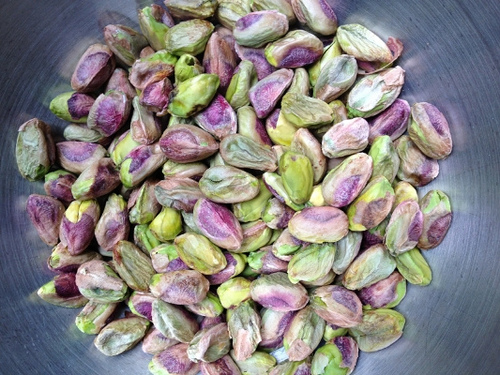 Pistachios and Walnuts: A Deeper Look at the Most Widely Used Nuts in Syrian and Middle Eastern Desserts