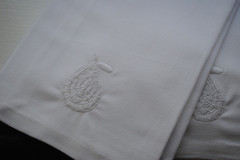 white_pear_embroidered_on_white_dinner_napkin