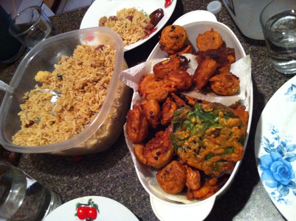 Bangladeshi iftar with biriyani fried potatoes and piaji my halal bangladeshi iftar with biriyani fried potatoes and piaji forumfinder Image collections