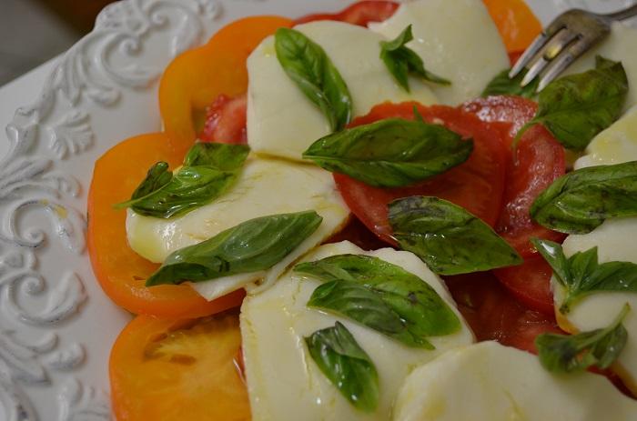 Insalata Caprese | My Halal Kitchen