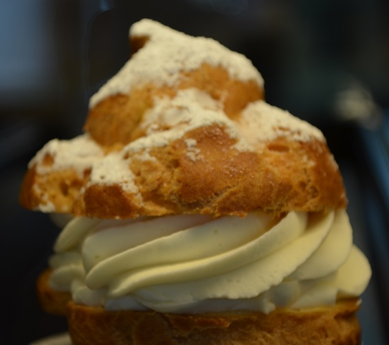 Cream Puff at Gur Sweets