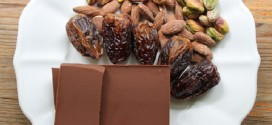 Nut-Filled Dates with Melted Chocolate