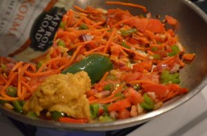 Korma Simmer Sauce in Pan