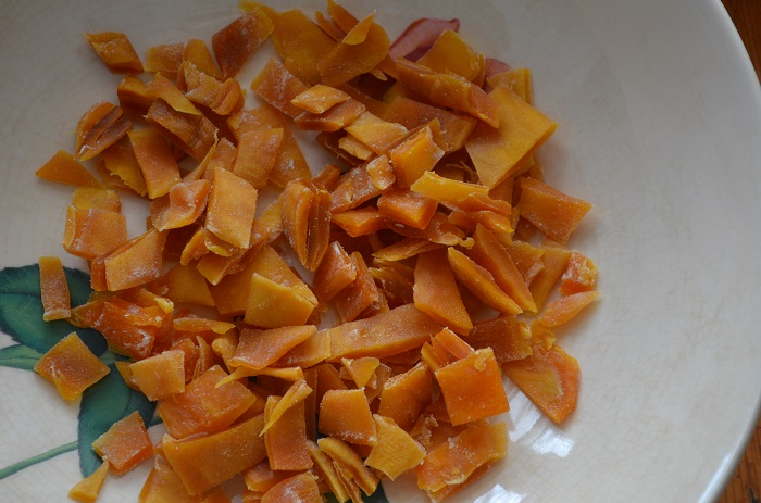 chop dried mangoes
