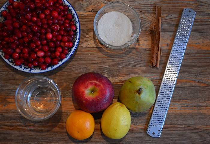 cranberry sauce ingredients on plate
