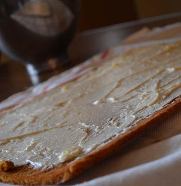 cream cheese spread on