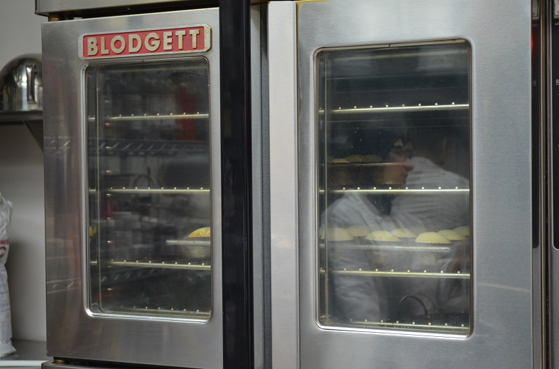 ovens baking gur sweets