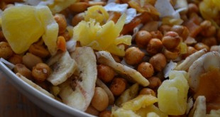Spicy & Sweet Tropical Snack Mix