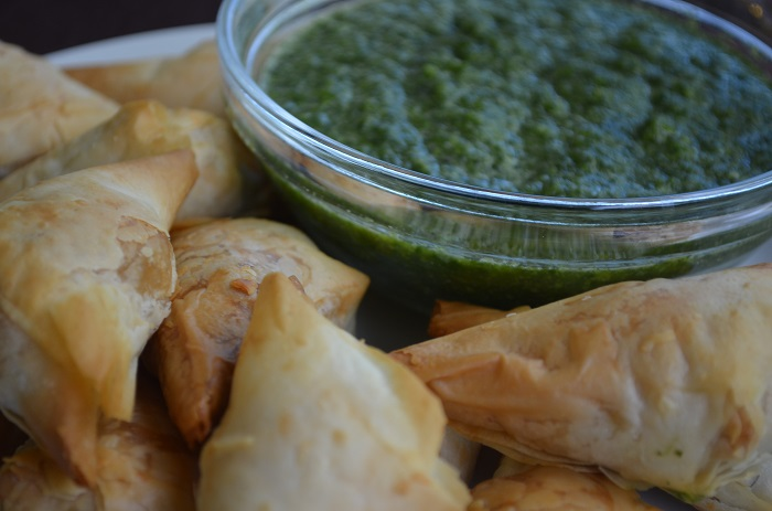 saffron road vegetable samosas